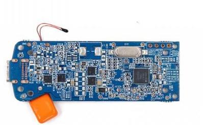 上方半透明塑料件,起到传导电路板上led指示灯光的作用.