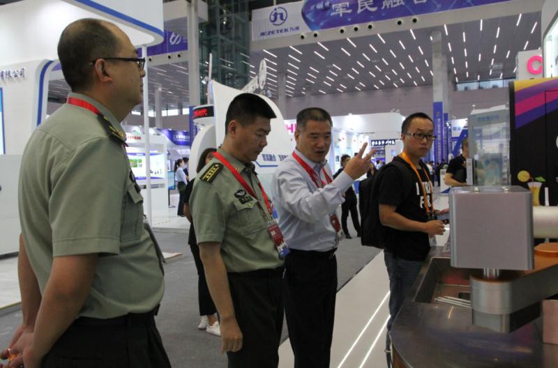 第六届科博会:<font>长虹</font>智慧厨房系统有望进入军方后勤采购