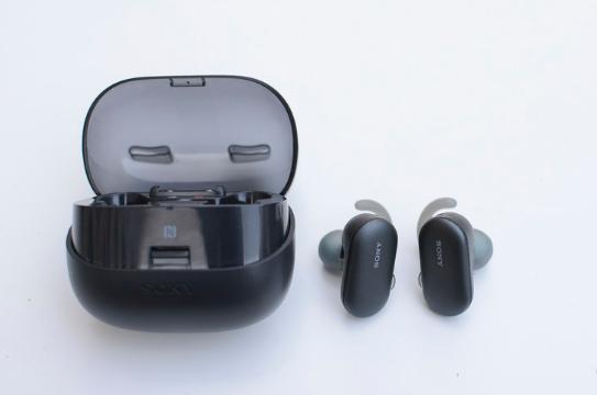 无惧游泳场景 索尼WF-SP900<font>无线耳机</font>评测