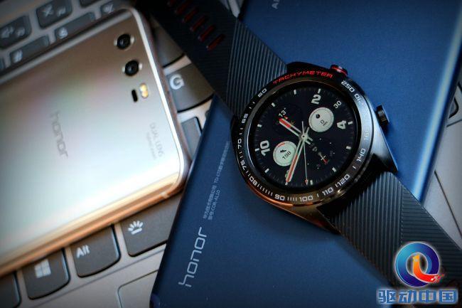 <font>荣耀手表</font>长测:全能型智能手表 轻薄长续航技惊四座