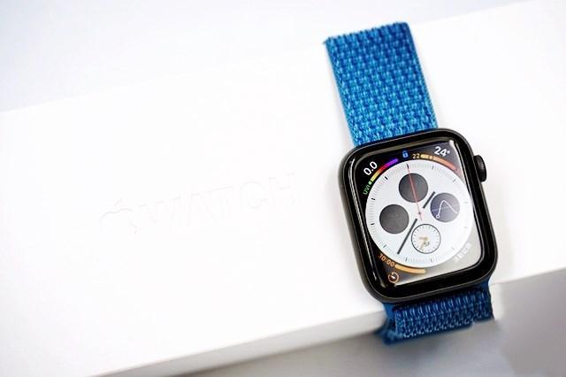 苹果Apple Watch series 4手表上手:大表盘、更流畅