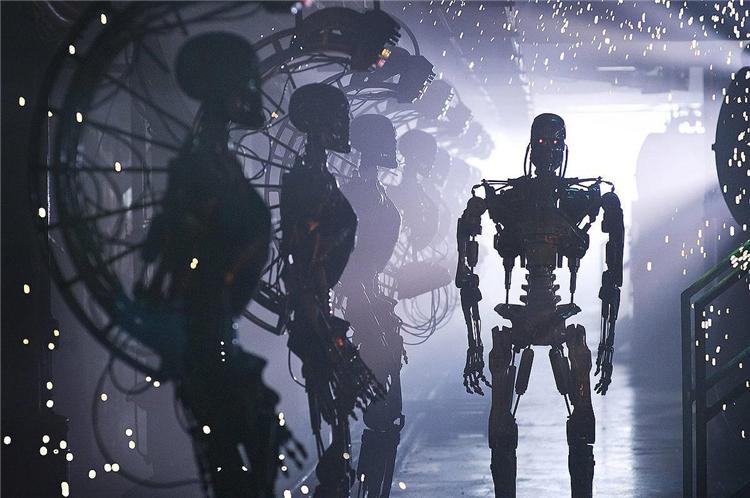 """机器人开始""""杀人""""了 取代人类or解放人类?"""
